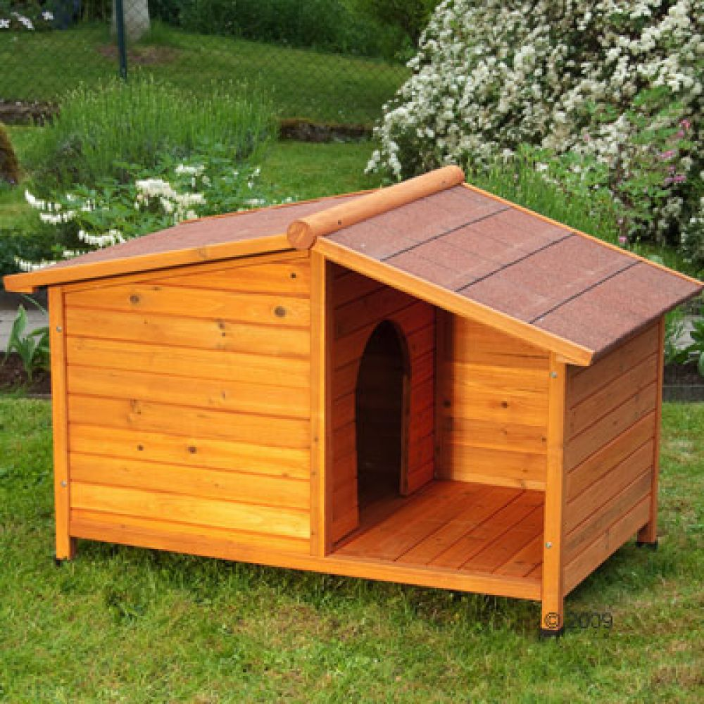 The generously oiled fir wood makes Dog Kennel Spike Special an excellent weather & winter proof home